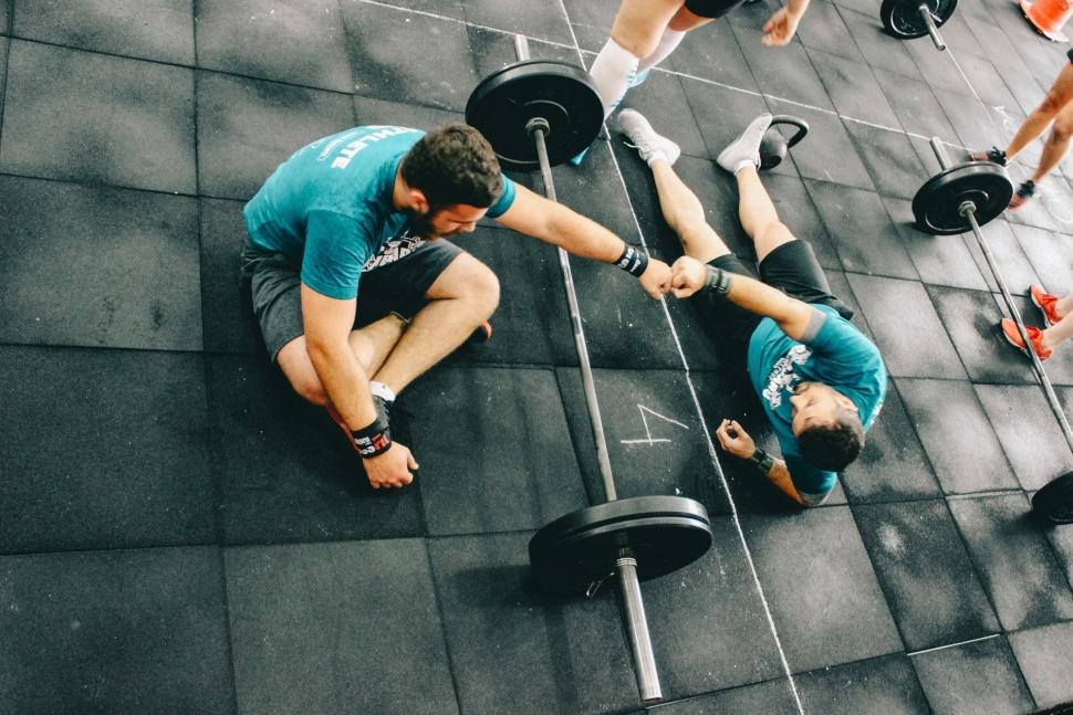 Męski strój na siłownie - czyli w co ubrać się na trening